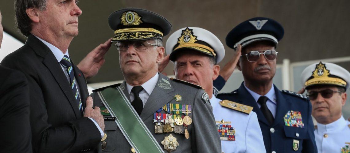 FOTO MARCOS CORRÊA PR BOLSONARO E MILITARES DURANTE A CERIMÔNIA COMEMORATIVA DO DIA DO EXÉRCITO